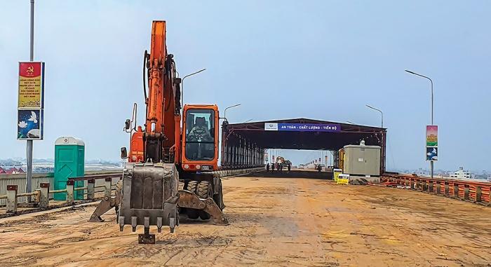 Công nghệ sửa mặt cầu Thăng Long không liên quan Trung Quốc